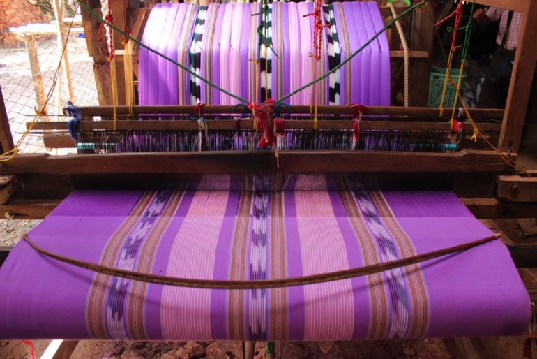 Bilu Kyun Ogre Island Myanmar Mawlamyine Handmade Weaving Cloth