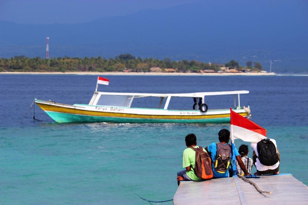 Budget Gili, Locals, Boat, Ocean