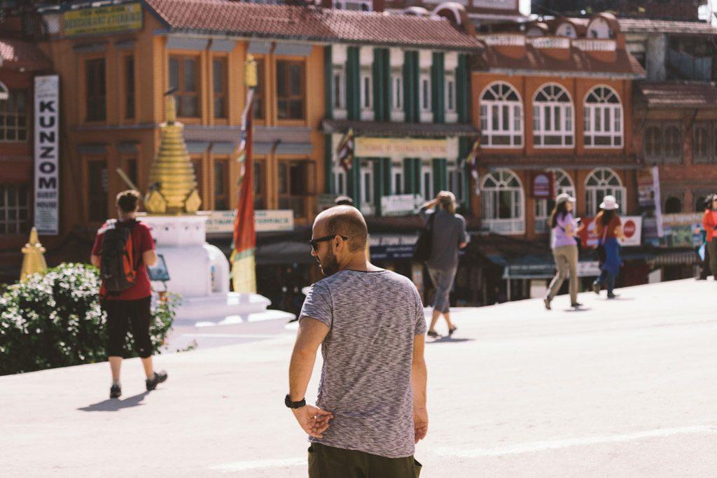 Kathmandu | Nepal | Southeast Asia | Monk | Monkey Tempel | Swayambhunath | Boddnath | Buddha | Doves | Praying Flags | Durbar Square | Stupa