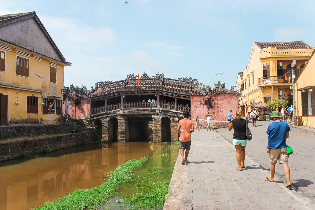 Hoi An is a beautiful ancient city in the middle of Vietnam.