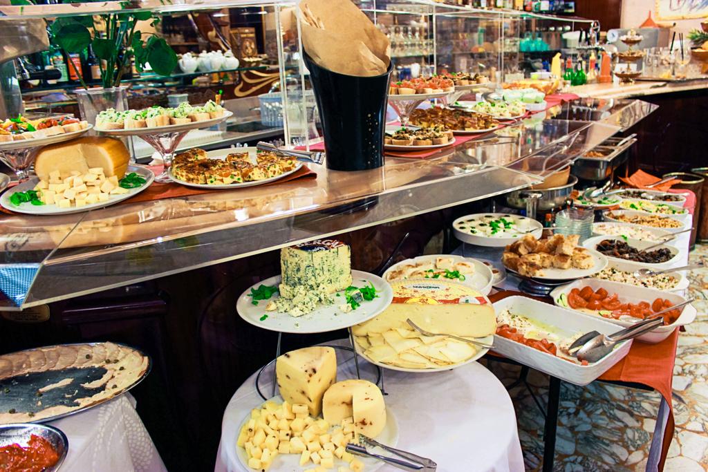 Having food at Caffè Università