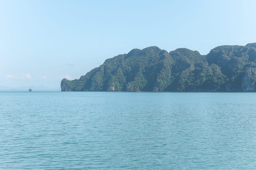 Bebost eiland in oceaan Koh Lanta Ngoi Thailand