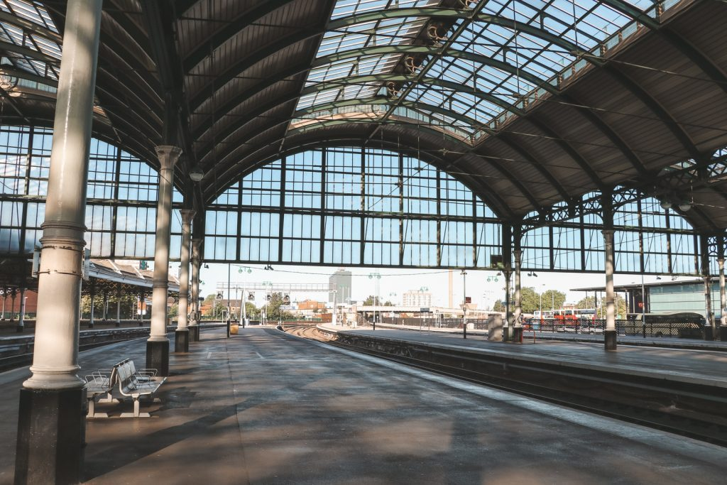 Met de trein door Engeland reizen: treinstation Hull Engeland