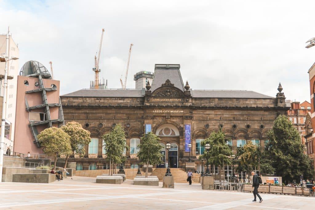 Leeds City Museum gezien tijdens tour met Leeds Owl Trail