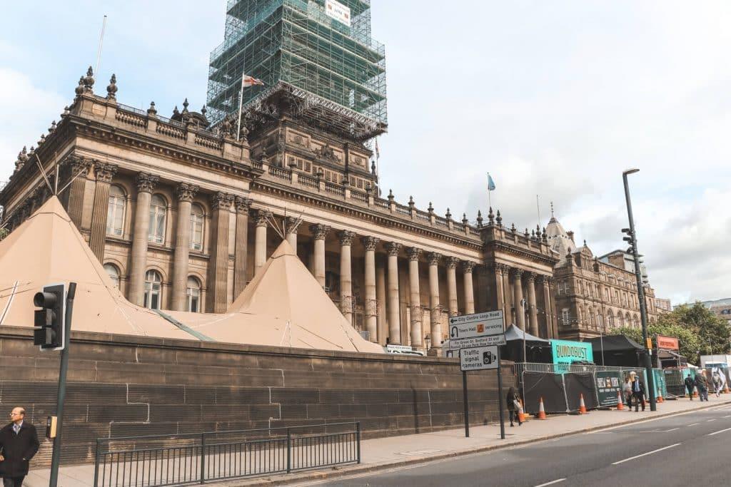 Victoriaanse Leeds Town Hall met bierfestival