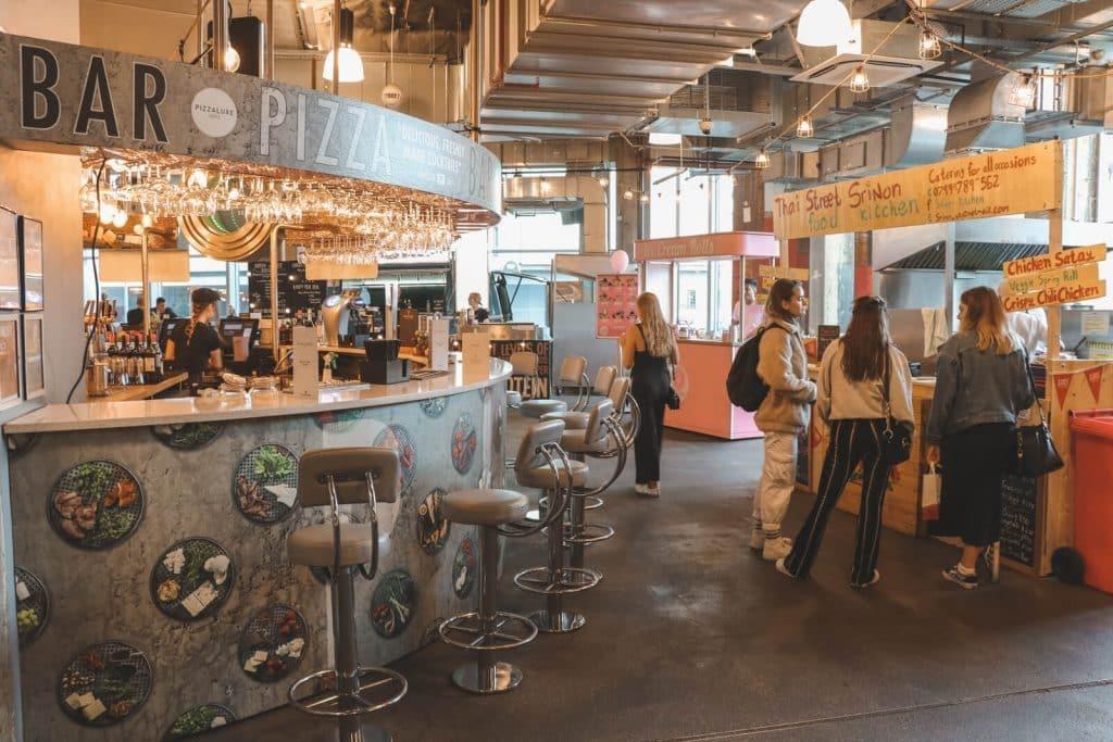 Foodtrucks bij Trinity Kitchen Leeds