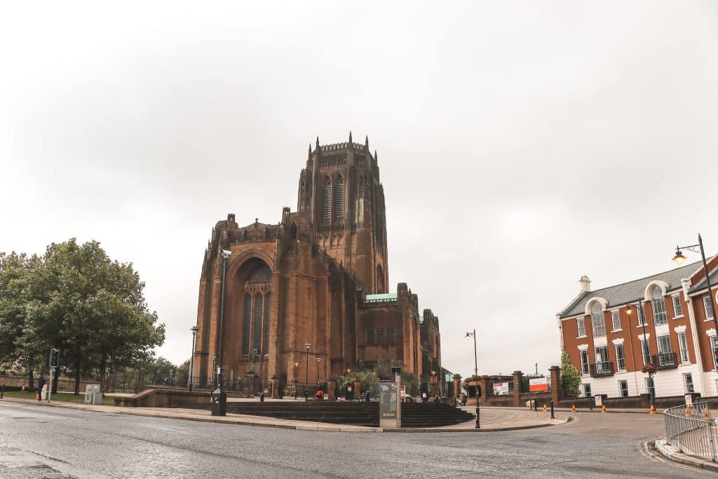 Liverpool Cathedral op een heuvel
