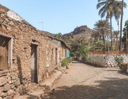 Stenen huisjes aan Rua Banana Kaapverdië