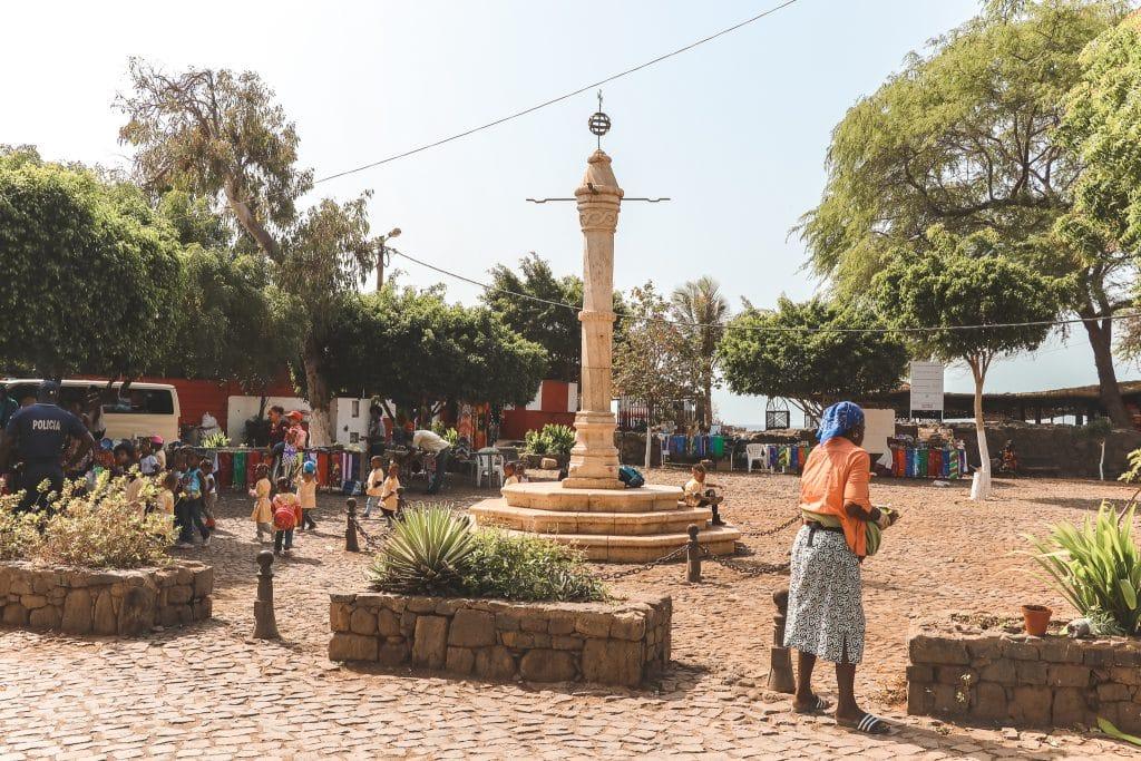 Pelourinho: een stenen slavenpaal uit de zestiende eeuw