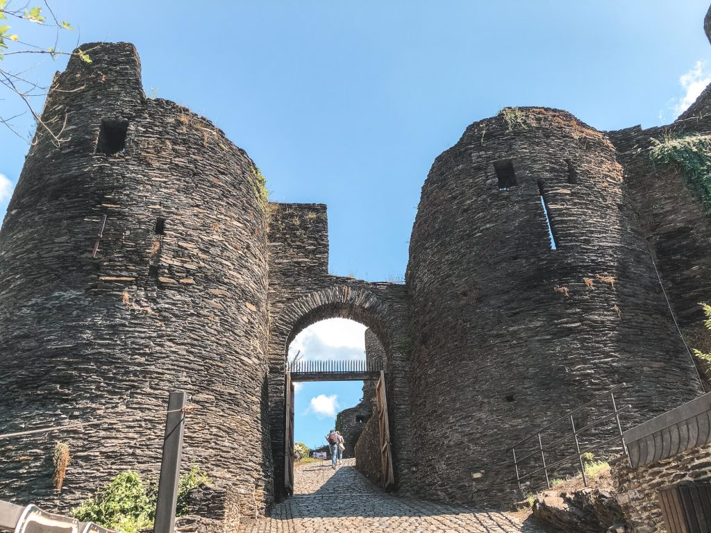 Ruïnes van kasteel La Roche-en-Ardenne